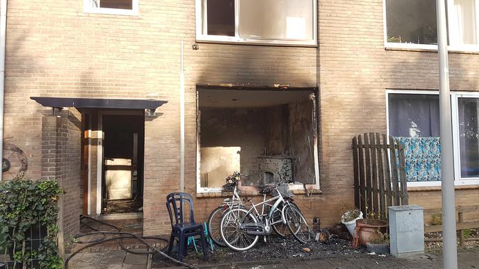 Schade door de woningbrand.