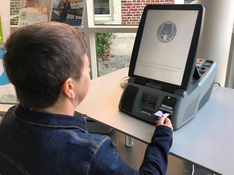 Onder meer in het gemeentehuis van Tremelo kan er op de stemcomputer worden geoefend.