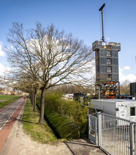 'NAM-circus' heeft nu tent opgeslagen in De Lutte; 'Oude boorputten opgeruimd, sommige nooit gebruikt'