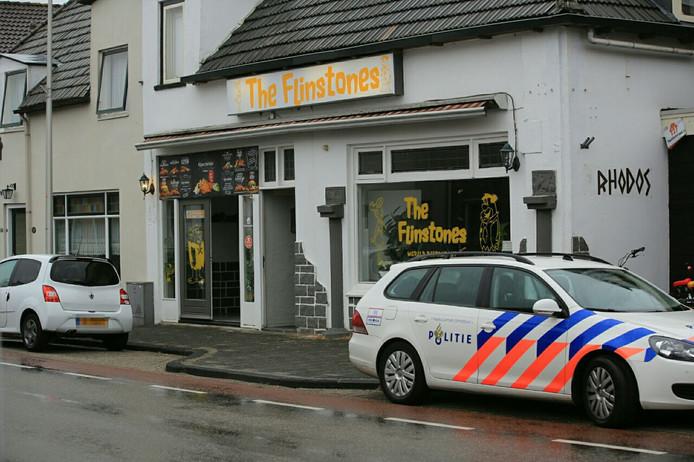 Inval bij café The Flinstones in Raalte.