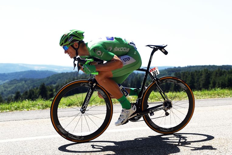 Marcel Kittel uit Duitsland daalt af tijdens de zestiende etappe van de Tour de France in 2017. Beeld Getty Images