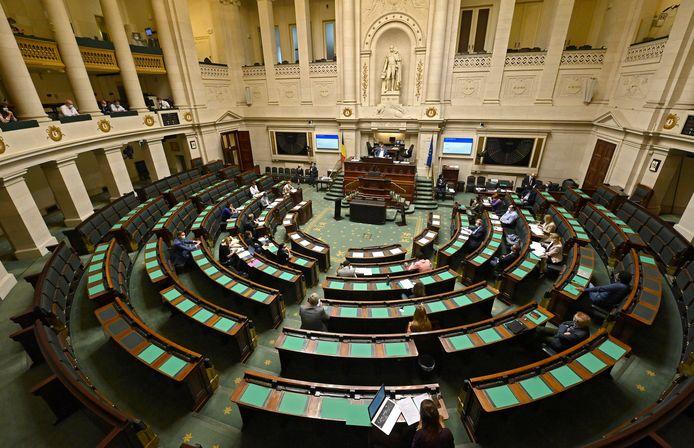 PVDA vraagt dat het abortusdossier snel opnieuw van de agenda van de Kamer komt.