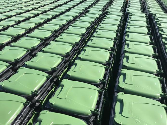 De nieuwe groene containers voor het restafval in Goes.