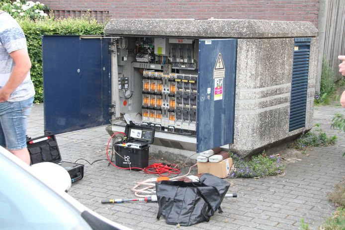 Enexis heeft werkzaamheden uitgevoerd in de wijk na een grote stroomstoring in Rijssen