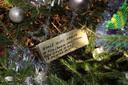 Een kaartje in de boom voor Riet.