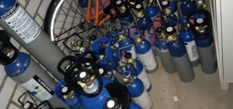Ruim 50 flessen met lachgas in beslag genomen in Tilburg, eigenaar heeft binnenkort een feestje