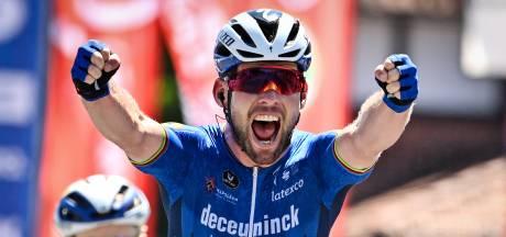 Sprintkoning Cavendish tegen wil en dank terug in Tour: 'Hij gelooft dat hij enkel kan afgaan'
