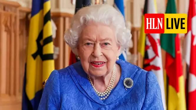 """Queen spreekt natie toe in Commonwealth Day-speech, en hint héél subtiel naar Harry en Meghan: """"Vriendschap en eenheid zijn belangrijker dan ooit"""""""