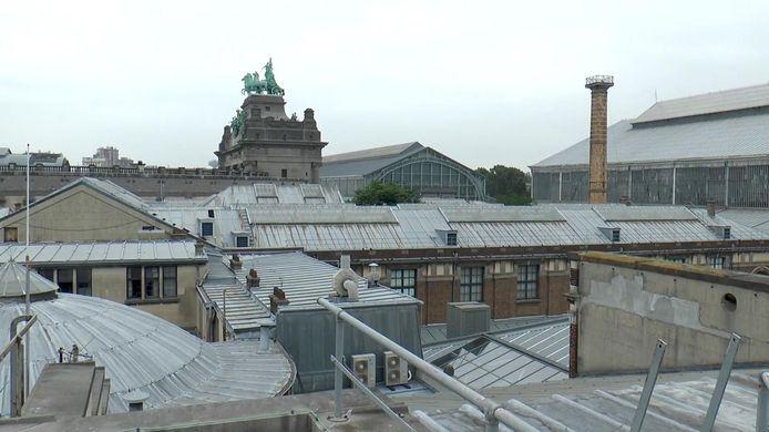 De daken van het Jubelpark in Brussel. Renovatiebedrijf Six zal 31.000 vierkante meter aan daken aanpakken, wat gelijkstaat met zo'n zes voetbalvelden.