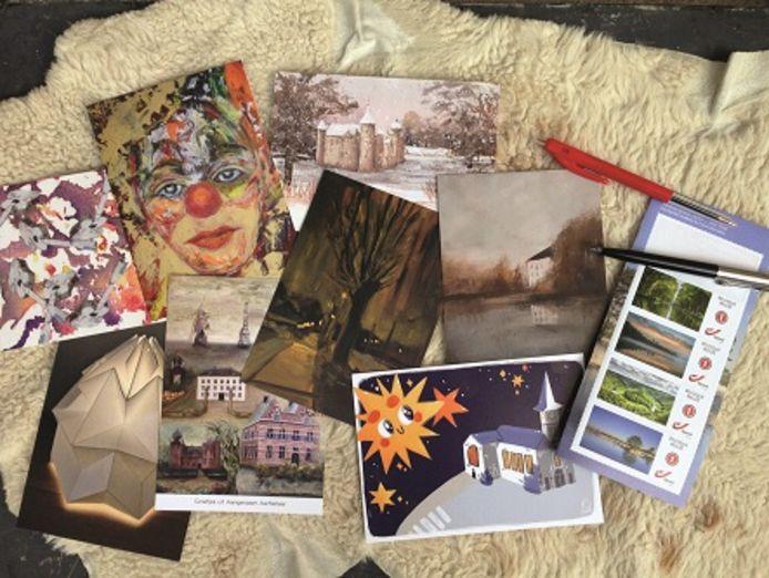 De acht postkaarten.