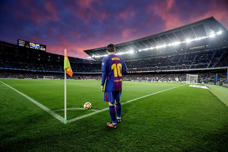Lionel Messi was en is nog altijd van goudwaarde, maar het torenhoge salaris van de sterspeler - en ook van anderen in de selectie - laat de club weinig manoeuvreerruimte. Beeld Getty Images