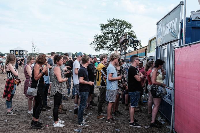 Festivalgangers op Zwarte Cross