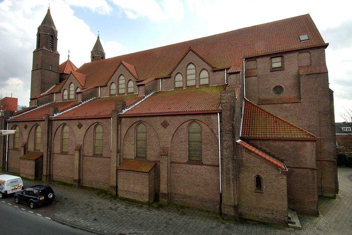 Met medewerking van het parochiebestuur en de nieuwe eigenaren beginnen de Oldenzaalse huisartsen volgende week in de Drieëenheidkerk te vaccineren met AstraZeneca.