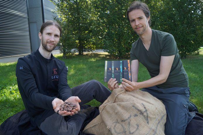 Vincent Bulteel en zijn vennoot Dries Gaerdelen lanceren met Inca'Cao een nieuw soort chocolade.