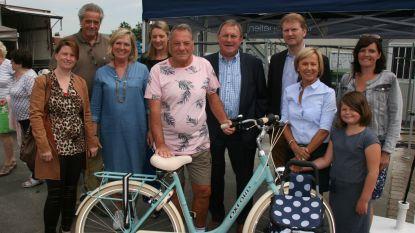 Sylvia en Ferre kunnen met nieuwe fiets naar huis