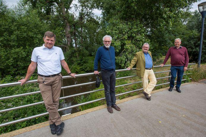 Het bestuur van van 'Cultuur aan de Dommel'.  Vlnr:  Paul Couturier (penningmeester), Axel Wenstedt  (lid),  Eric Kolen )voorzitter) en  Ed Corsten (secretaris)