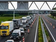 Forse fIle op A1 bij Deventer: voor de derde dag op rij raak