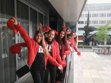 Dansgroep The Fire gehuldigd op Stadhuis Eindhoven