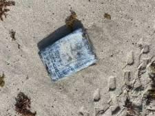Des mystérieux paquets retrouvés sur une plage de Floride contenaient de la cocaïne