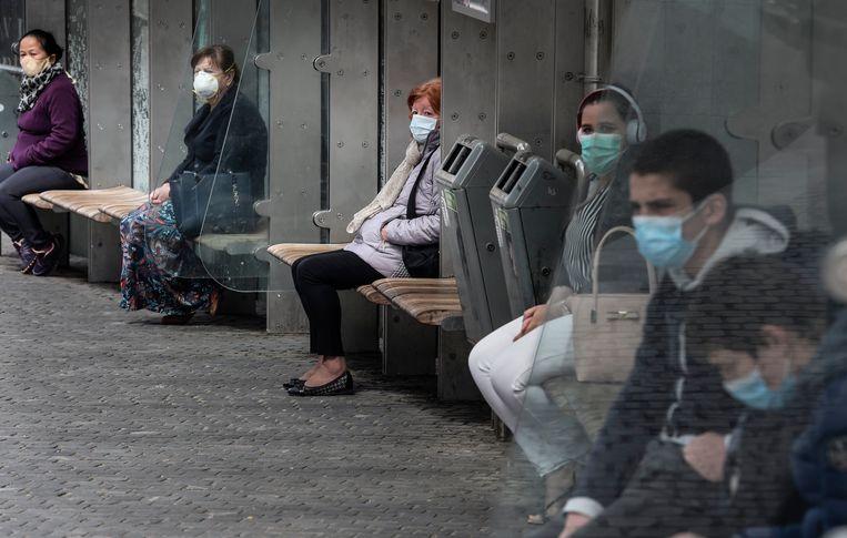 In Leuven zijn mondmaskers verplicht in het centrum.  Beeld Photo News
