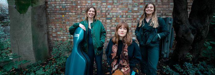 Het Larissa Trio.