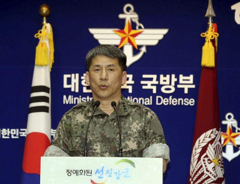 De Zuid-Koreaanse kolonel Eom Hyo-sik geeft toelichting bij het conflict.
