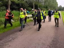 Oud-militairen zoeken massaal mee naar vermiste Deventenaar bij Zwolle: 'Het is een enorm gebied'