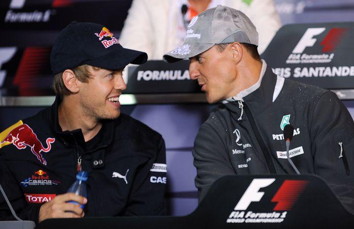 Sebastian Vettel en Michael Schumacher in 2010 op Hockenheim.