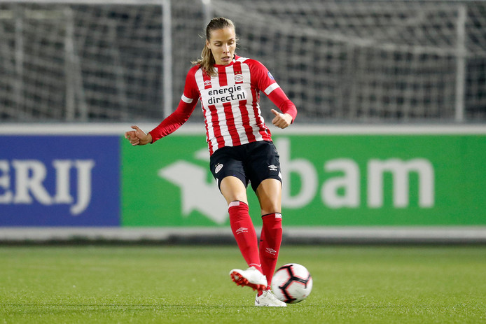 Anna Björk Kristjánsdóttir blijft een jaar langer bij PSV.
