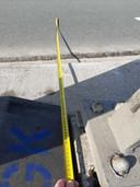 De verankering van en de brugreling staan minimaal 1,5 meter gerekend vanaf de wegmarkering.