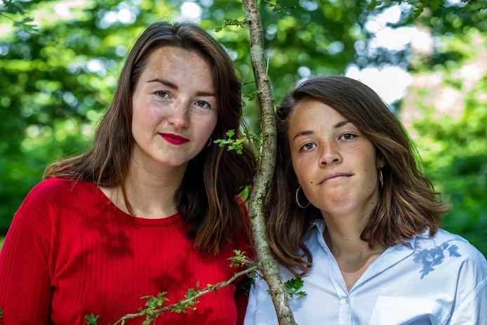 Caro Suringar (links) en Sacha Verheij, hebben een boek geschreven over depressie op jonge leeftijd.