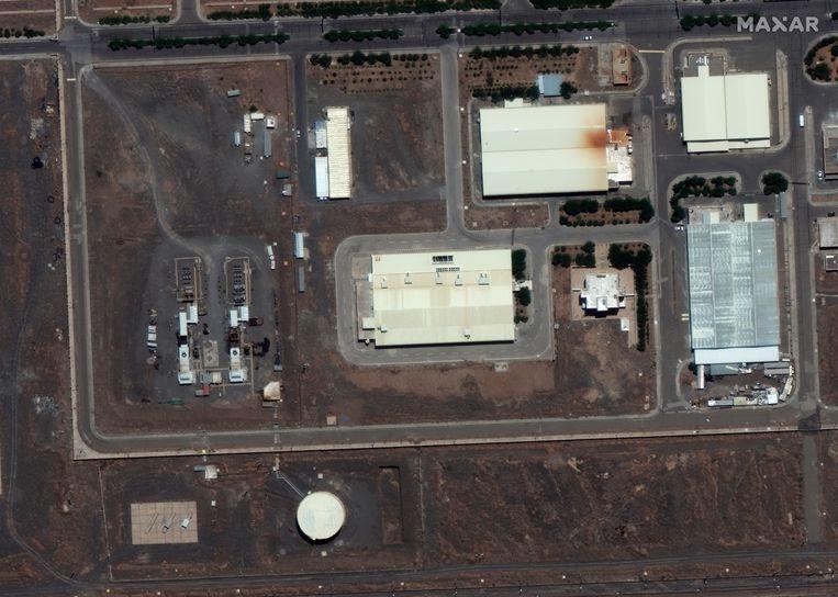 Een satellietfoto van de uraniumverrijkingsfabriek in Natanz, 300 kilometer ten zuiden van Teheran.  Beeld EPA
