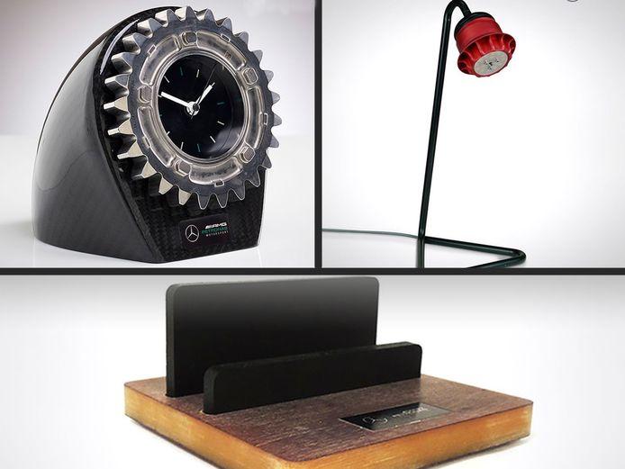 Linksboven: een klok van een onderdeel van de versnellingsbak, rechtsboven het lampje van een wielmoer, onder de iPhone-houder