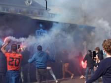 Paar honderd Club-supporters verwelkomen spelersbus met Bengaals vuurwerk voor match tegen Antwerp: politie stelt vijf pv's op