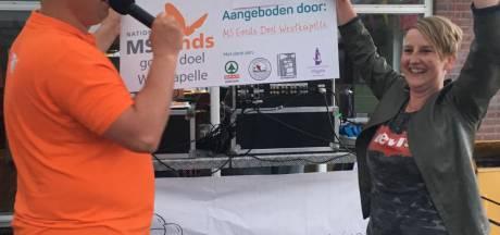 Westkapelle steunt Marianne Conté massaal in haar strijd tegen MS: 14.500 euro opgehaald