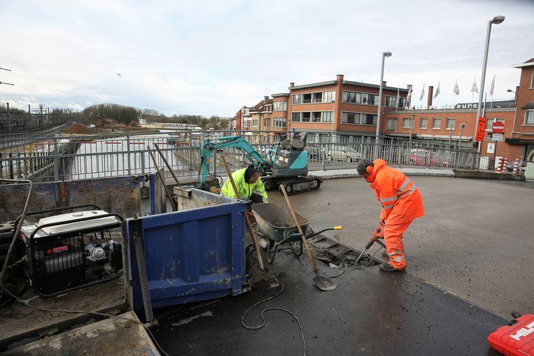 De Bospoortbrug krijgt elk jaar een opknapbeurt maar blijft wel in slechte staat. Binnen enkele jaren worden ze vernieuwd.