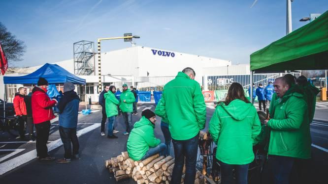 """Grote bedrijven in Gentse haven leggen morgen werk neer: """"Bij Volvo Trucks ligt de band volledig stil"""""""