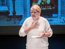 Burgermoeder bijt het spits af in het Rietveld Theater