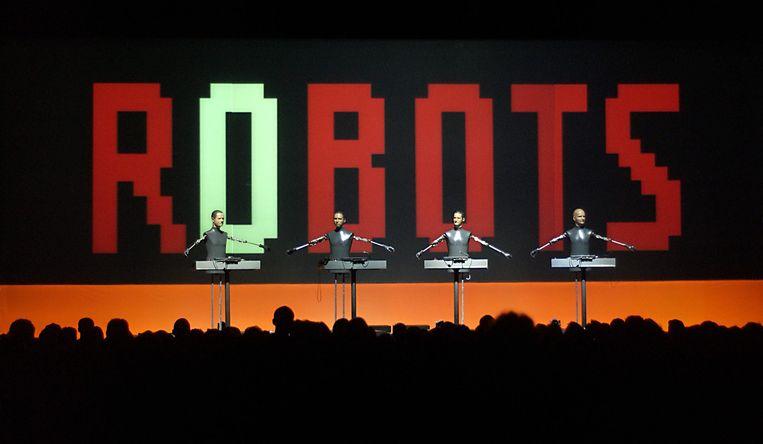 Kraftwerk als robots in 2004 Beeld Alex Vanhee