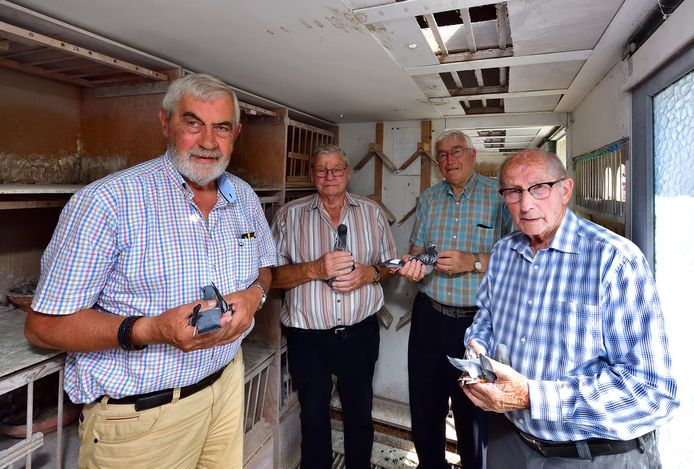 Vlnr: Henk van Caam, Kees Geers, Maarten van Eekelen en oudste lid Jan Ernest.