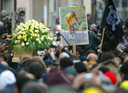 De begrafenis van Marco Pantani in Cesenatico in 2004.