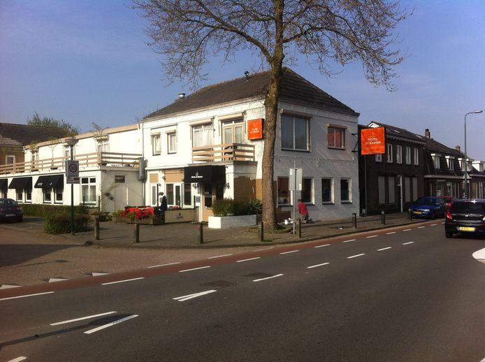 Hotel De Kroon aan de Gasthuisstraat in Kaatsheuvel.