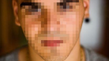 Broer Sekkaki opgepakt voor drugshandel en met enkelband onder huisarrest geplaatst
