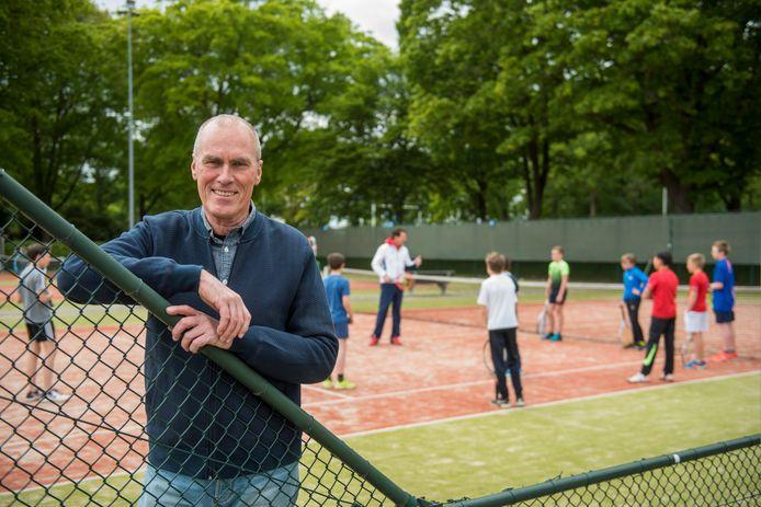 Voorzitter Ton Paulusse van Tennisvereniging Tegenbosch.
