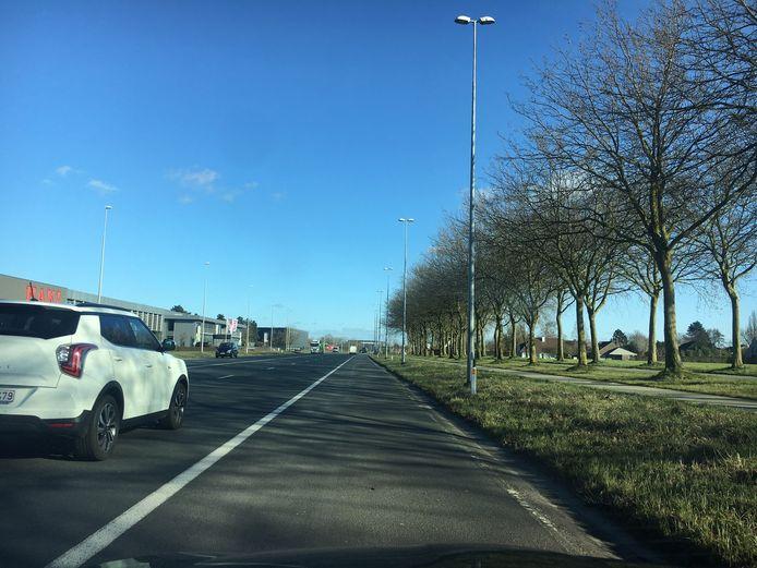 De Rijksweg (N36) in Izegem is een gekende flitslocatie. De snelheid is er beperkt tot 70 kilometer per uur.