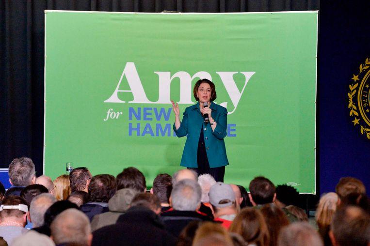 Amy Klobuchar spreekt de menigte toe in Exeter, New Hampshire. (10/02/2020) Beeld AFP