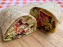 De Bombay Salad Wrap is verrassend lekker, fris en voedzaam.
