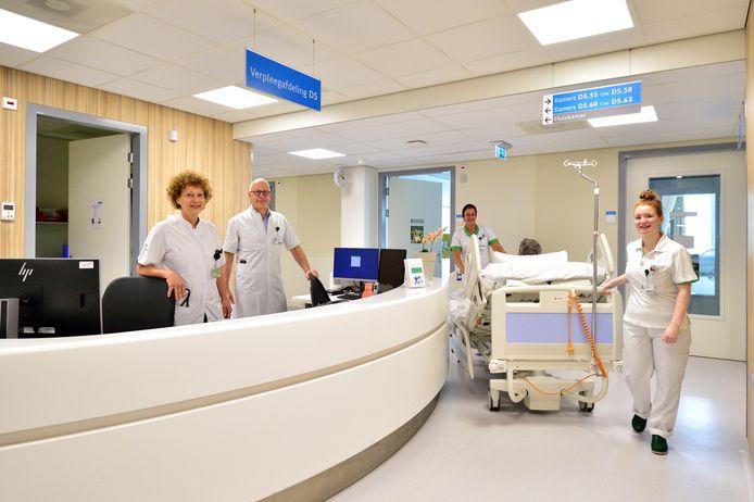 Bedden en patiënten verplaatst naar 'normale' afdelingen in het Groene Hart Ziekenhuis in Gouda. Binnenkort wordt deze vijfde verdieping weer gebruikt voor de reguliere zorg.
