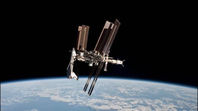 ISS moet alwéér uitwijken voor ruimteschroot