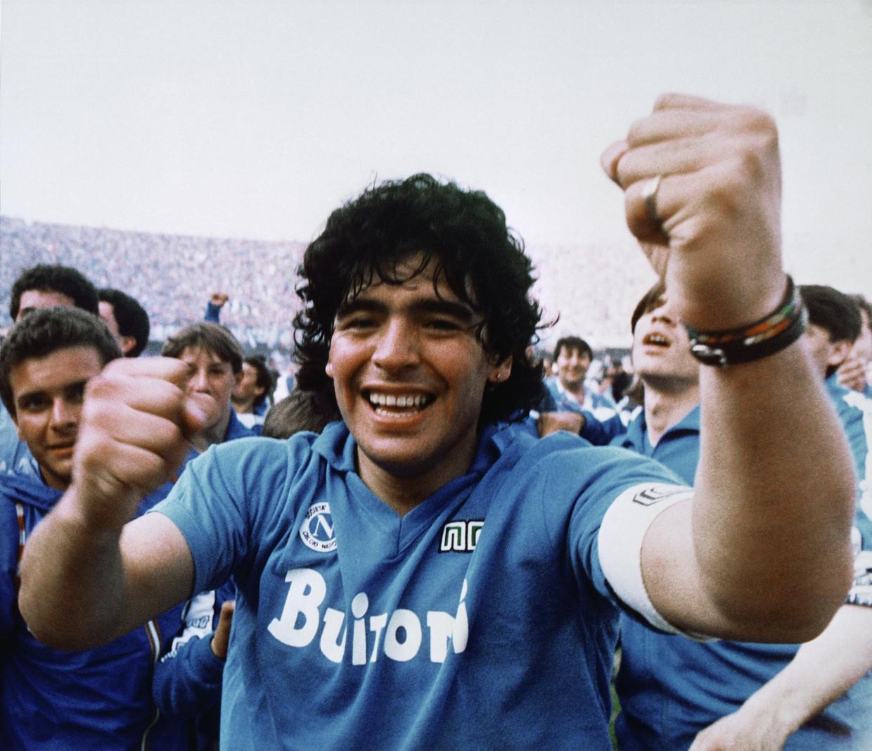 Maradona als grote held bij Napels. Beeld Meazza Sambucetti/AP/Shutterstock